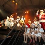 Papai Noel e as crianças Natal na Praça