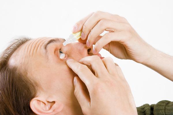 c89810a78b9a6 A importância da manutenção das lentes de contato — Setor Saúde