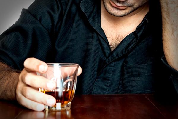 Alcoolismo de adolescentes de vídeo