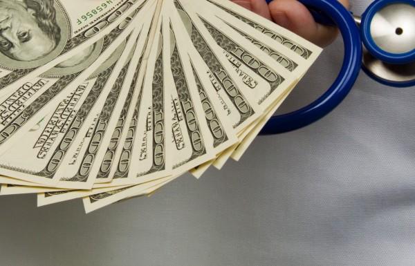 Farmacêuticas diminuem remuneração aos médicos