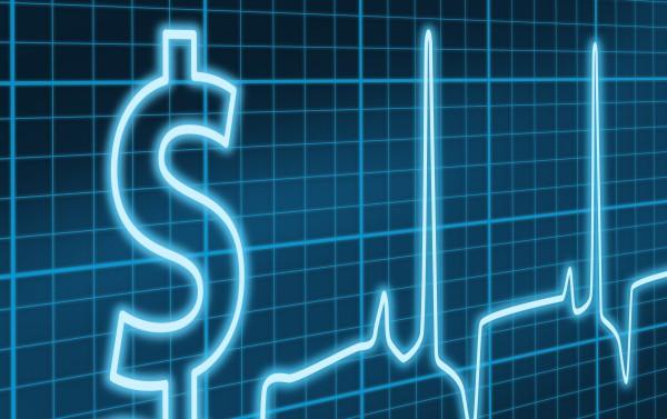 Governo deixou de aplicar R$ 10 bilhões na Saúde em 2014