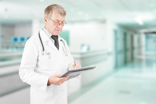 Estudo analisa práticas para evitar infecções relacionadas à assistência à saúde