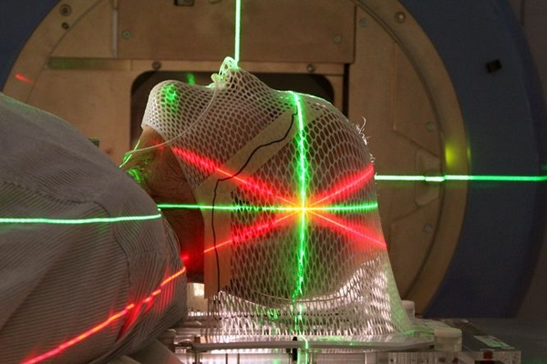 Hospital São Lucas amplia uso de tecnologia para tratamento de tumores