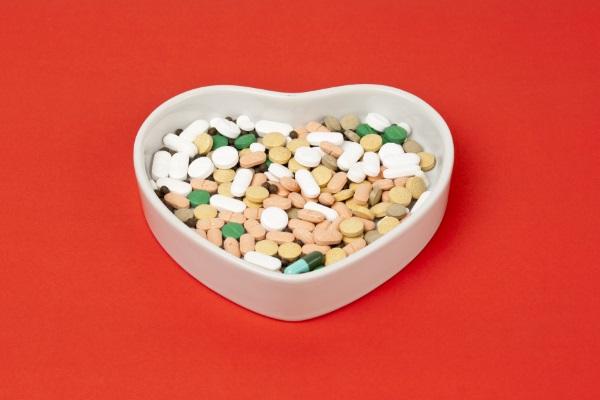 5 informações importantes sobre drogas inovadoras que combatem o colesterol
