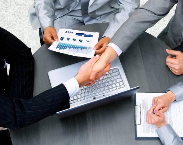 Pfizer e Allergan concluem acordo de fusão de US$ 160 bilhões
