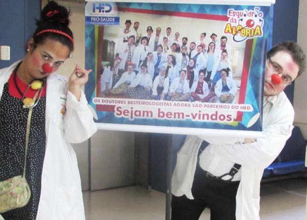 Esquadrão da Alegria diverte pacientes do Hospital Ernesto Dornelles