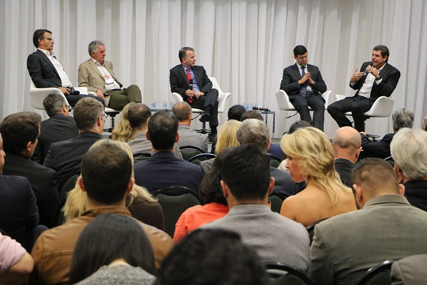 Empreendedores debatem oportunidades em momentos de crise