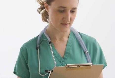 A feminização da força de trabalho da saúde no Brasil
