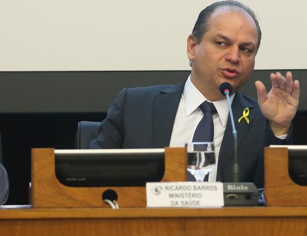 Ministro diz que judicialização da saúde custa R$ 7 bilhões para o Brasil