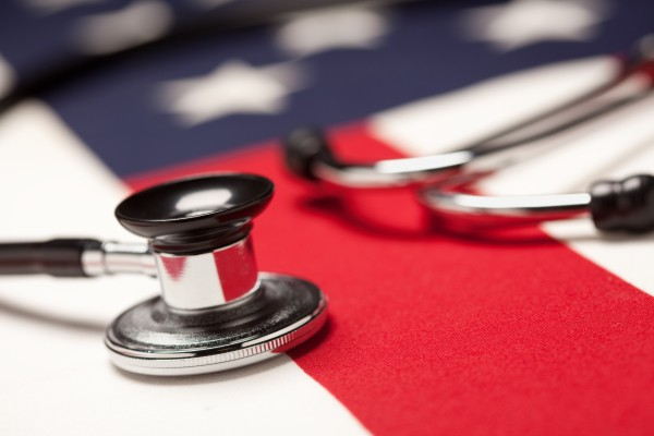 Os gastos com saúde nos EUA subirão 5,8% ao ano até 2025