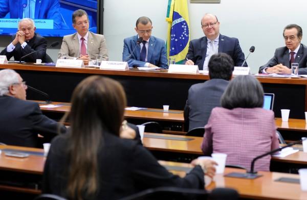 CNS defende em audiência a criação doSistemaSda Saúde