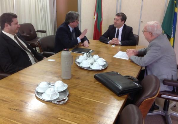 Fehosul se reúne com Ministro do Trabalho Ronaldo Nogueira
