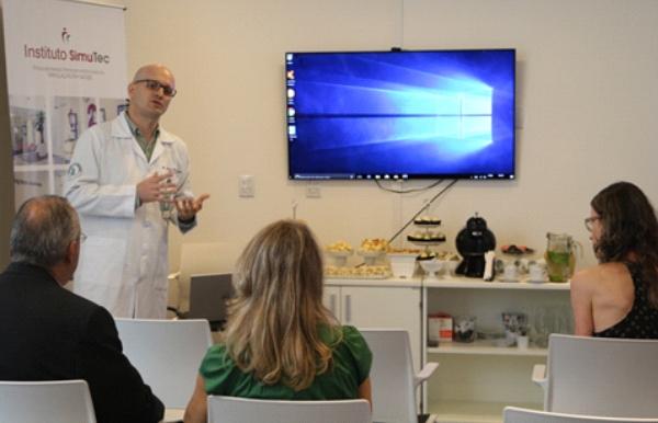 Realidade Virtual Empresa lança novos simuladores para treinamento médico em Porto Alegre