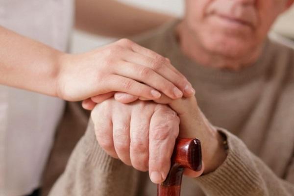 Tire suas dúvidas sobre tratamentos para a doença de Parkinson