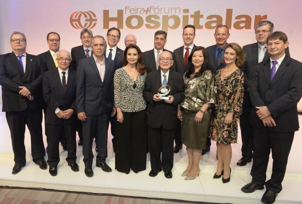 """""""Pai da Geriatria"""" recebe o Prêmio Hospitalar 2017"""