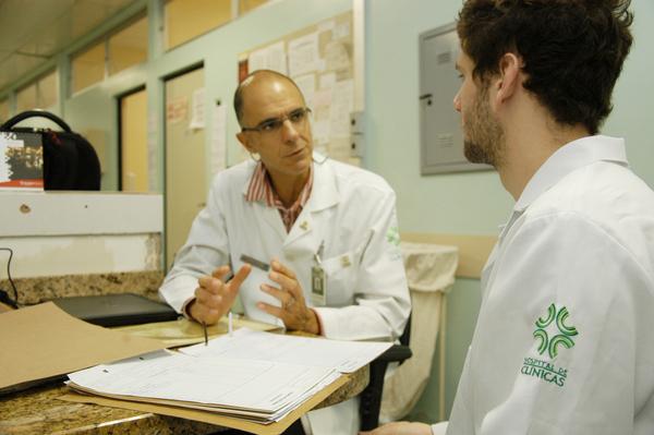 Professor e aluno - ambulatorio