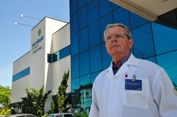 Adalberto Broecker, fundador da Oncologia Centenário, recebe o título de Cidadão Leopoldense