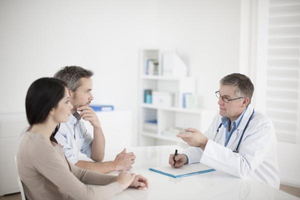 Clínicas de saúde particulares criam rede popular para combater baixo número de pacientes