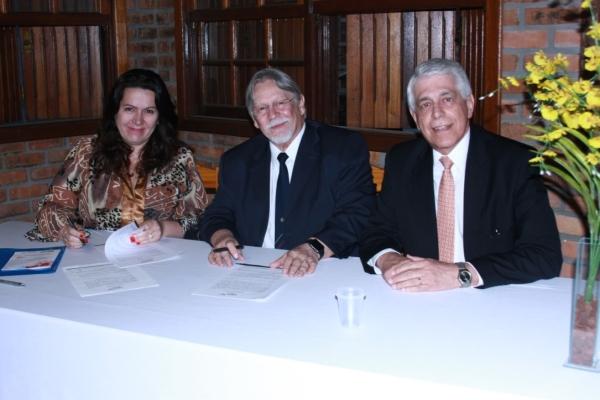 Faculdade Fátima oficializa parceria com a Escola OCRA Brasiliana, especializada em ergonomia no trabalho