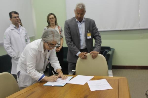 Hospital de Clínicas de Porto Alegre e Secretaria Estadual de Saúde oferecem tratamento de ponta a pacientes do SUS