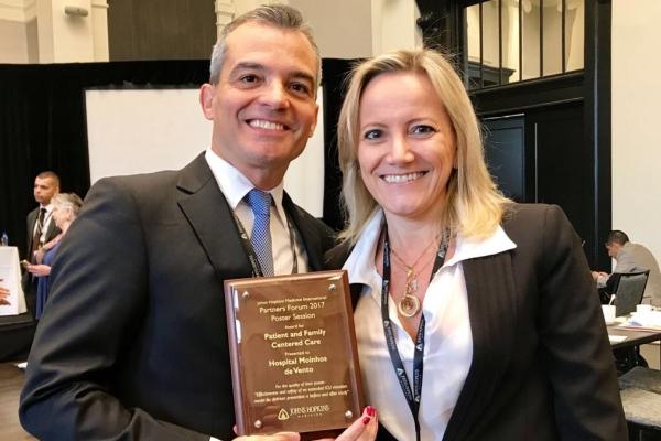 Segurança em novo modelo de visitação emUTIdá prêmio internacional ao Hospital Moinhos de Vento