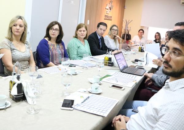 Alternativas para um novo modelo deremuneraçãoreúne hospitais na FEHOSUL