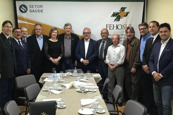 FEHOSUL recebe o deputado federal Luis Carlos Heinze