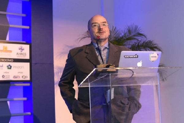 Fábio Gastal aborda a trajetória da acreditação no Brasil em nova edição do Seminários de Gestão