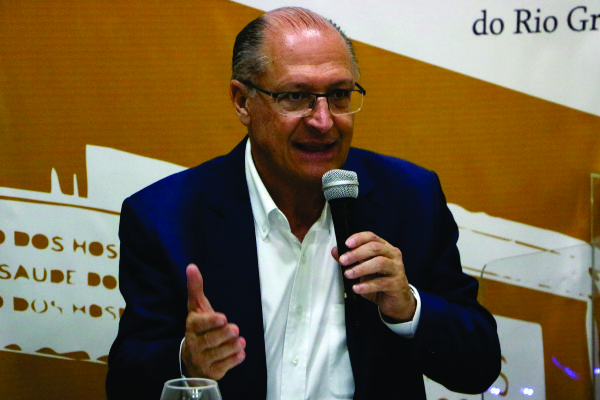 Alckmin na sede da FEHOSUL em encontro realizado neste ano