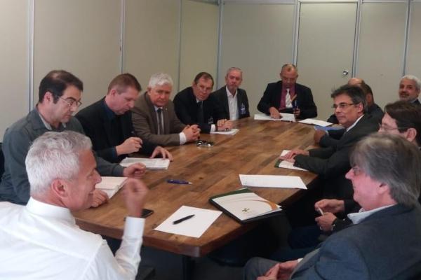 FEHOSUL participa de reunião com novos dirigentes do IPE-Saúde