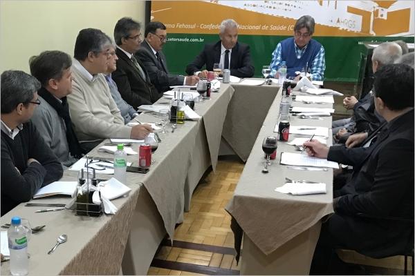 Sistema FEHOSUL realiza reunião com o novo presidente do IPE-Saúde