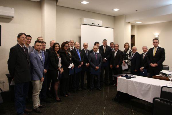 Com lideranças da saúde, CBEXs lança Capítulo Sul em Porto Alegre