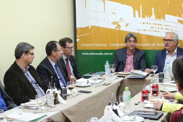 Lideranças  da saúde discutem CMED2 e relacionamento com o IPE-Saúde