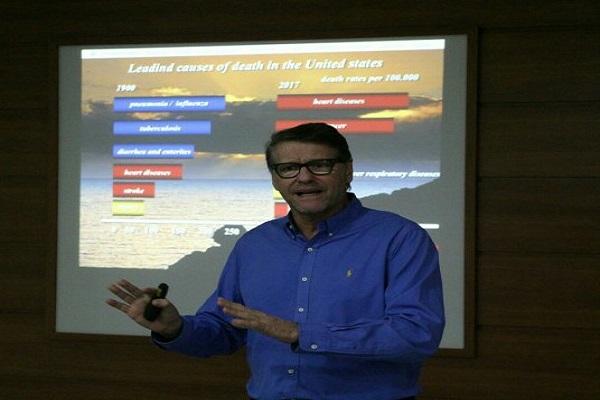 Paulo Petry, professor e coordenador dos cursos de extensão e pós-graduação da FASAÚDE