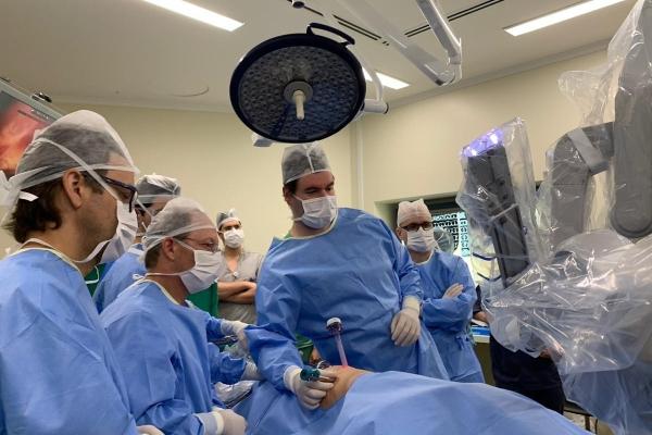 HospitalMoinhosdeVentorealizacirurgiarobótica torácicainéditanoSuldoBrasil