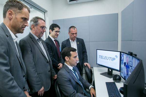 Projeto inédito no país de telemedicina em UTI pediátrica é lançado peloHospitalMoinhosde Vento