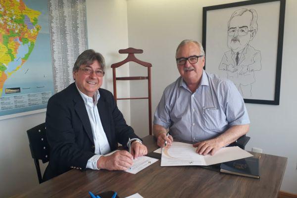 FEHOSUL apresentademandas urgentes do IPE-Saúde ao Secretário da Casa Civil