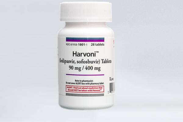 Medicamento para hepatite C tem uso ampliado para crianças