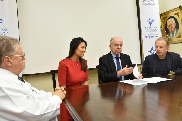 Santa Casa de Porto Alegre recebe doação para a construção de nova emergência SUS