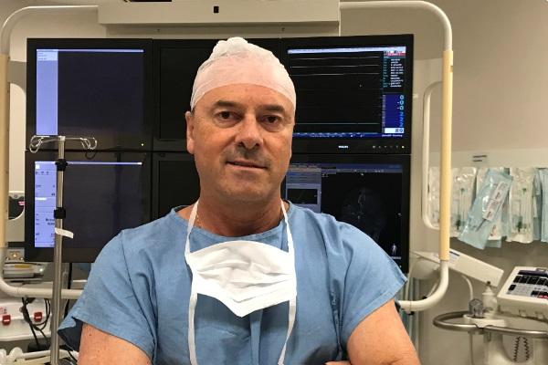 Hospital Mãe de Deus realiza procedimento inovador em cirurgia cardíaca minimamente invasiva no Brasil