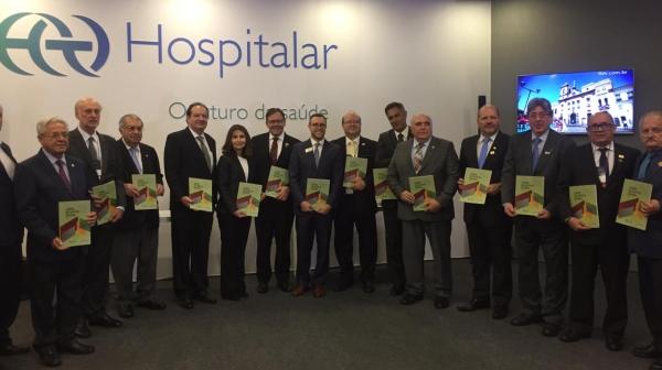A publicação é uma parceria entre CNSaúde e FBH