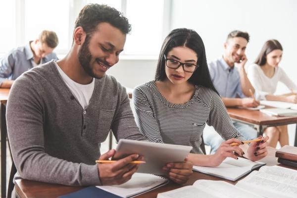 Fasaúde IAHCS lança novos cursos de extensão nas áreas de negociação, estruturação de novos negócios de inovação e faturamento de contas