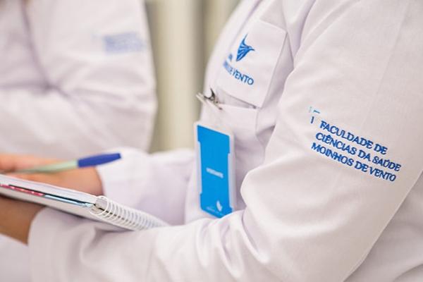 Graduação em Enfermagem do Hospital Moinhos de Vento aposta em metodologia inovadora no país