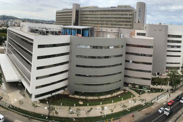 Hospital de Clínicas de Porto Alegre abreconcursopúblicopara cargos de nível superior