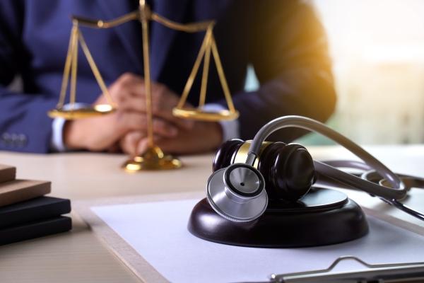 Médicos vão ajudar juízes a avaliar pedidos urgentes à Justiça