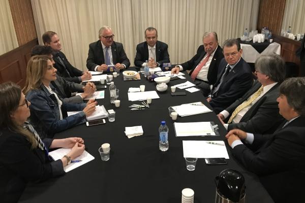 FEHOSUL promove encontro entre federações patronais e Secretário da Previdência e do Trabalho