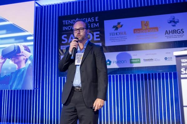Cuidado centrado no cliente implementado pela Unimed Porto Alegre foi tema de palestra em evento da FEHOSUL AHRGS e SINDIHOSPA