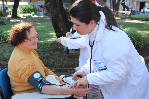 Curso Técnico em Enfermagem do Hospital São Vicente de Paulo com inscrições abertas