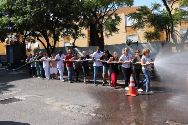 Colaboradores do Grupo Hospitalar Conceição participam de treinamento para Brigada de Incêndio