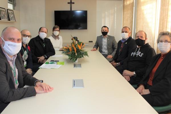 PUCRS e Rede Divina Providência firmam convêniode cooperação acadêmica com foco naobstetrícia